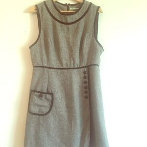 Tweed dress with piping